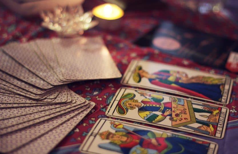 Tirage de cartes de tarot - apprendre à tirer les cartes
